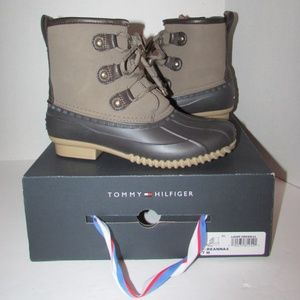 TOMMY HILFIGER Brown Lace Up Duck Boots Women 7